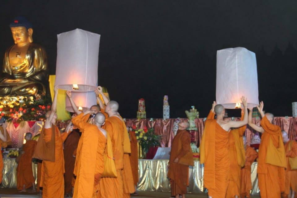 waisak day lanterns
