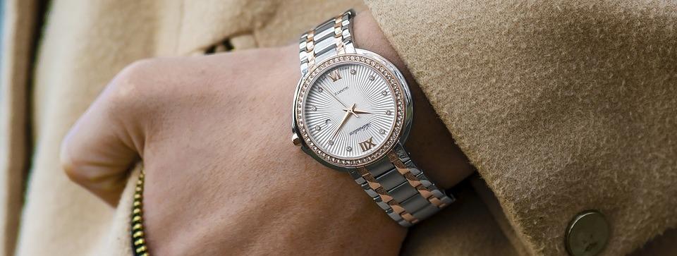 wristwatch-1149669_960_720 (1)