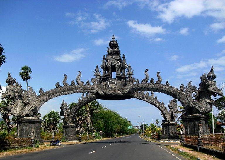 Gapura temple Bali
